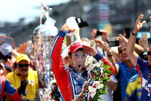 Comme le veut la tradition, Takuma Sato a... (Photo Mark J. Rebilas, USA Today)