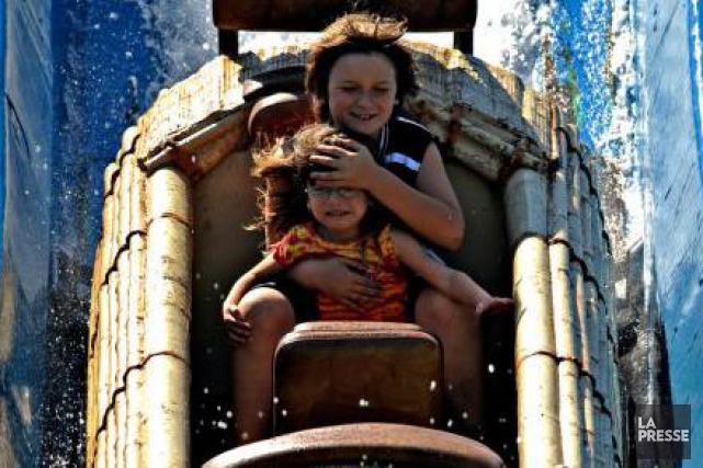 Samedi, sur son site web, Six Flags, propriétaire... (PHOTO BERNARD BRAULT, ARCHIVES LA PRESSE)