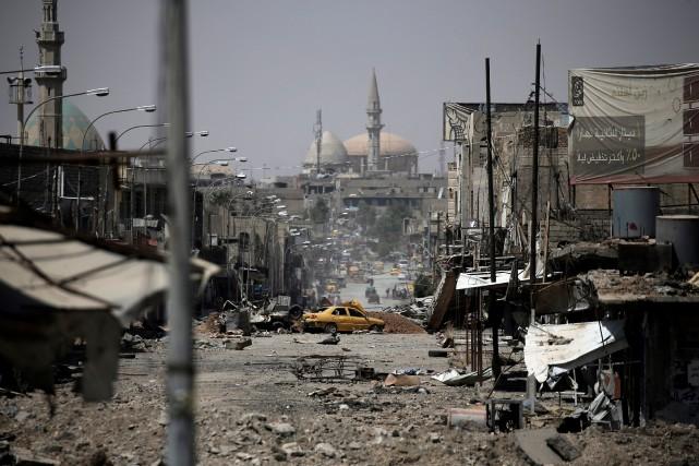 La bataille de Mossoul a déplacé des centaines... (PHOTO REUTERS)