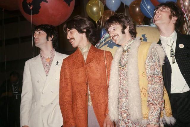 Paul McCartney, George Harrison, Ringo Starr et John... (Photo Archives Associated Press)