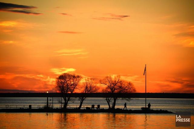 Sur le quai ou le long du sentier... (PHOTO BERNARD BRAULT, LA PRESSE)