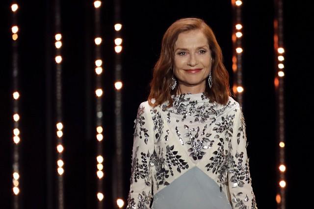Isabelle Huppert sur scène au Festival de Cannes,... (PHOTO AFP)