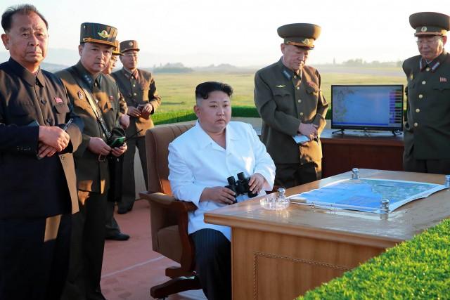 Le dirigeant nord-coréen Kim Jong-Un «a supervisé» le... (PHOTO AFP)