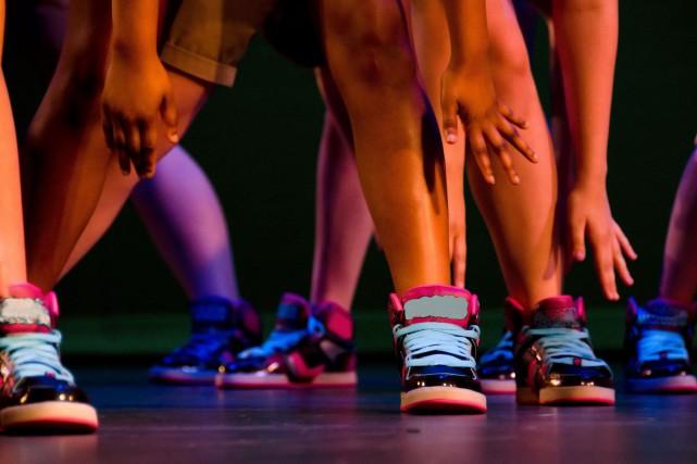 Les danseuses et danseurs de la région se... (123RF)