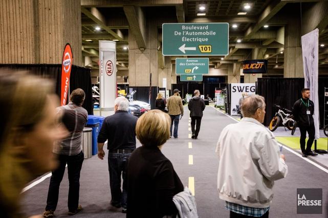 Le premier Salon du véhicule électrique de Montréal... (Photo Olivier Pontbriand, La Presse)