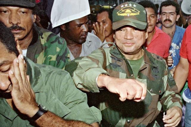 Manuel Noriega, qui a d'abord été un allié... (AFP, Manoocher Degathi)