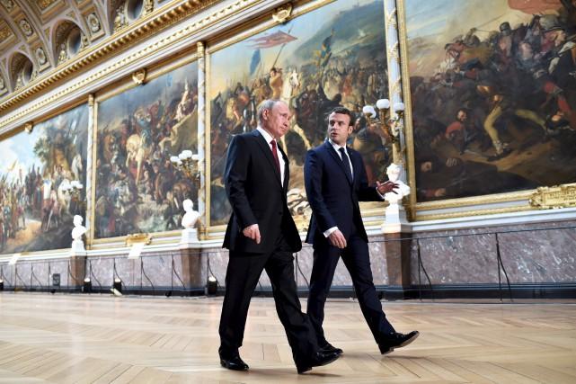 Le président français Emmanuel Macron a accueilli lundi... (AFP, Stéphane De Sakutin)