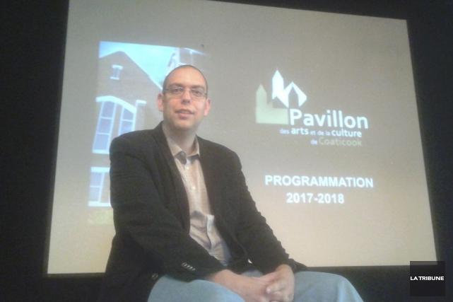 Le directeur du Pavillon des arts de Coaticook,... (La Tribune, Matthew Vachon)