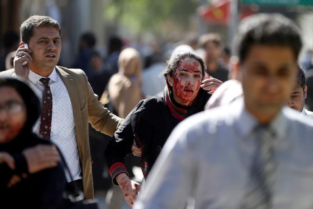 «90 personnes ont été tuées et 400 ont... (PHOTO REUTERS)