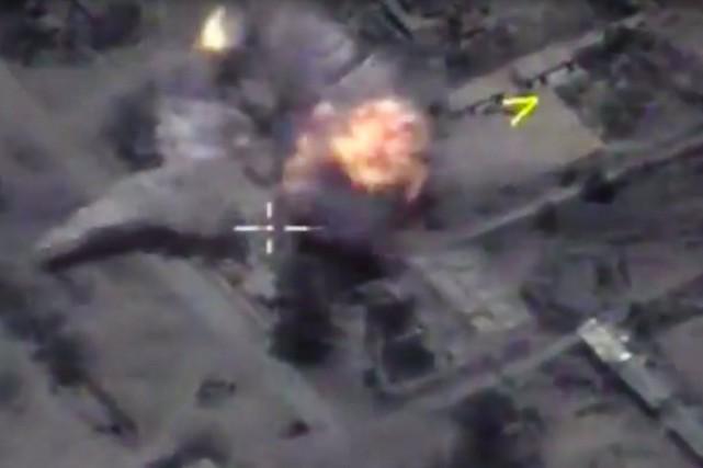 «La Russie a déclenché quatre frappes de missiles... (AP)