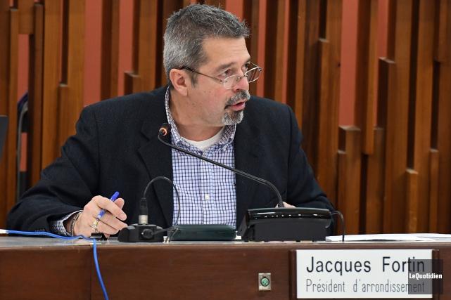 Le conseiller municipal Jacques Fortin dépose officiellement, ce... (Photo archives Le Quotidien, Rocket Lavoie)