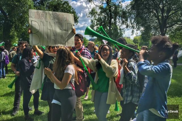 La marche citoyenne organisée dans le but de... (Patrick Woodbury, Le Droit)