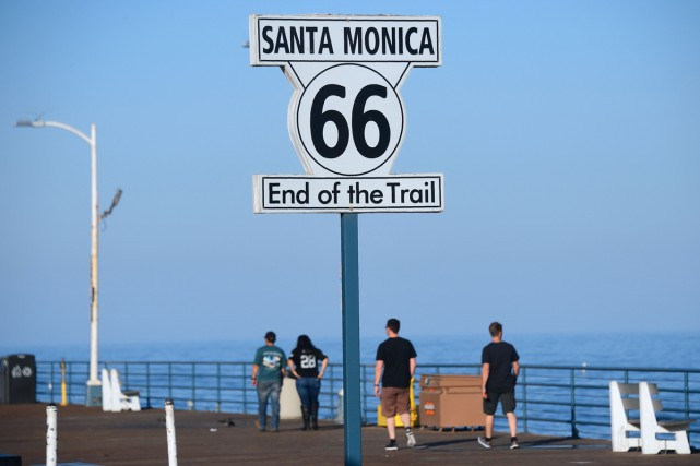 La pancarte de la Route 66 à Santa... (PHOTO AFP)