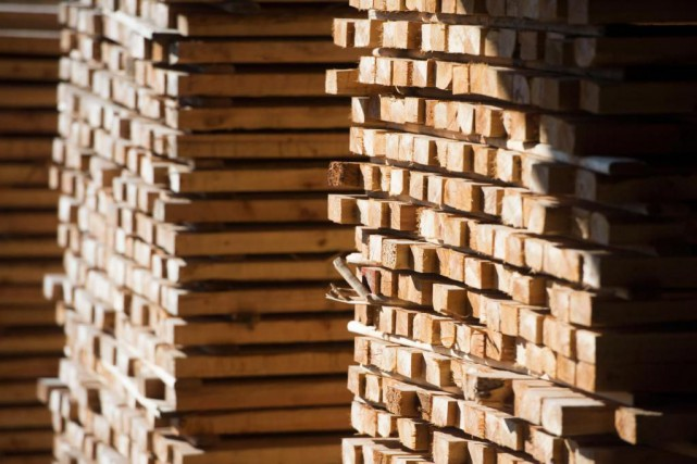 L'industrie canadienne du bois d'oeuvre a connu l'an... (Photo Jonathan Hayward, Archives La Presse canadienne)