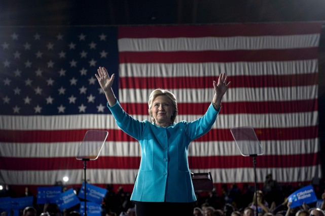 Hillary Clinton lors d'un rallye de campagne à... (ARCHIVES AFP)