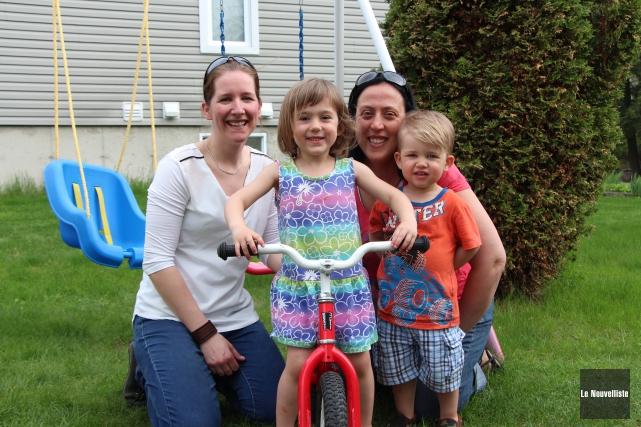 Portrait d'une famille heureuse: Lyvia, Justin et leurs... (Isabelle Légaré, Le Nouvelliste)