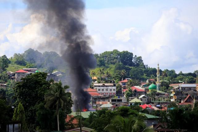 La bavure de l'armée philippine porte à au... (REUTERS)