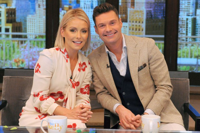 Lses animateurs Kelly Ripa et Ryan Seacrest.... (PHOTO REUTERS)