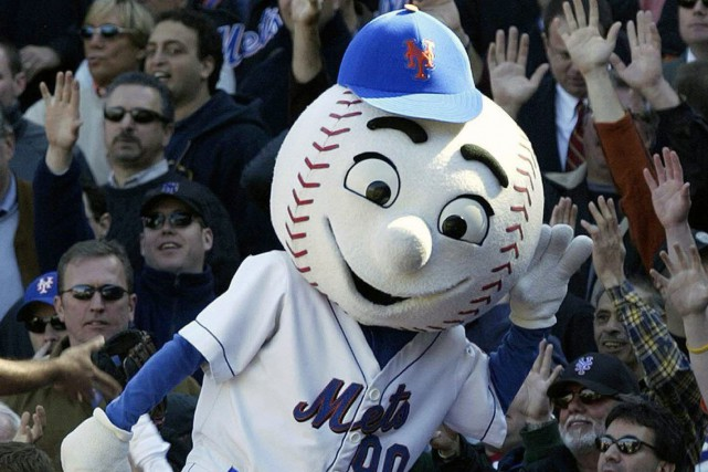 Mr. Met, la mascotte des Mets de New... (Photo Gregory Bull, archives AP)