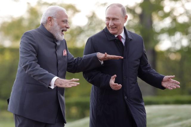 Le premier ministre indien Narendra Modi était l'invité... (PHOTO AP)