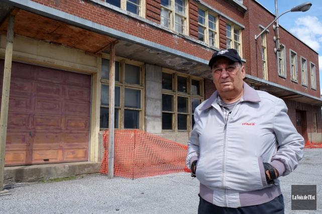 Le délabrement avancé du bâtiment principal de la... (Alain Dion, La Voix de l'Est)