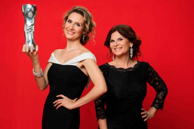 Édith Cochrane et Guylaine Tremblay, les animatrices du... (Fournie par ICI Radio-Canada télé)