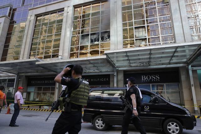 L'attaque a débuté vers minuit heure locale quand... (Photo Aaron Favila, AP)