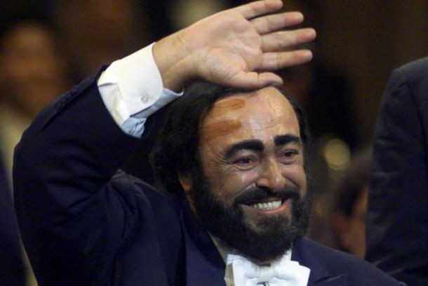 Le ténor italien Luciano Pavarotti... (Photo Archives Reuters)