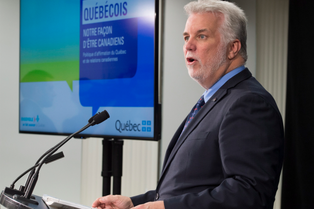 Philippe Couillard a présenté le 1er juin le... (La Presse canadienne, Jacques Boissinot)