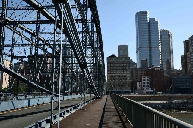 Célèbre pour ses majestueux ponts en acier qui... (AFP, Eric Baradat)