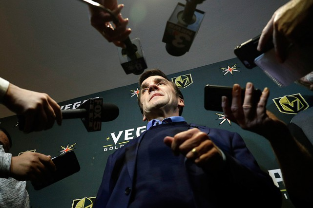 George McPhee croit avoir entamé suffisamment de pourparlers... (Photo John Locher, archives Associated Press)