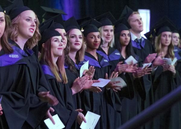 672 étudiants de l'Université Bishop's ont reçu leur... (Maxime Picard)