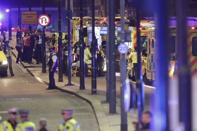 Des attaques terroristes ont eu lieu samedi soir... (Photo Yui MokAP)