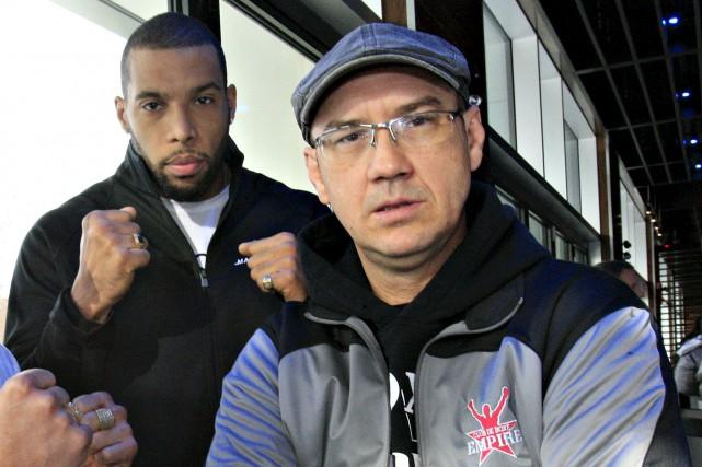 François Duguay (à droite), entraîneur de David Whittom... (Photothèque Le Soleil, Pascal Ratthé)