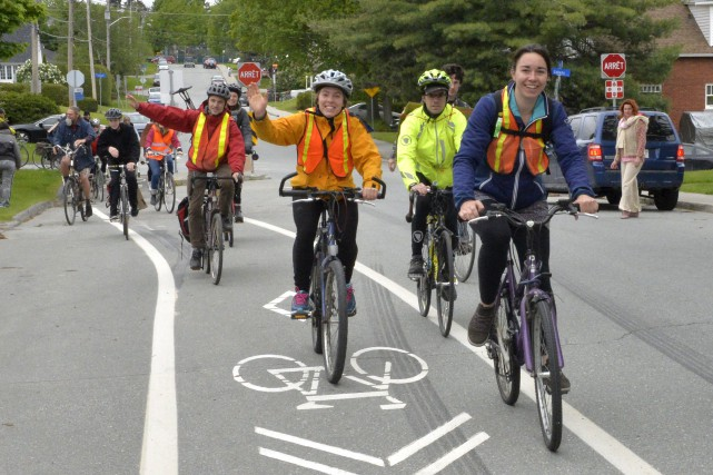 Le Collectif d'urbanisme durable de Sherbrooke a organisé... (Spectre Média, Maxime Picard)