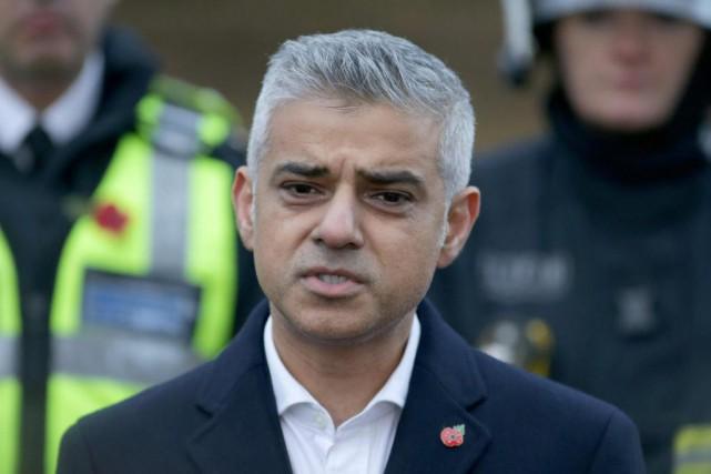 Sadiq Khan est devenu le premier maire musulman... (ARCHIVES AFP)