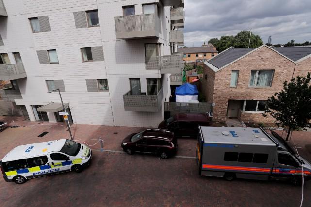 La police a procédé à 12 arrestations dimanche... (PHOTO REUTERS)