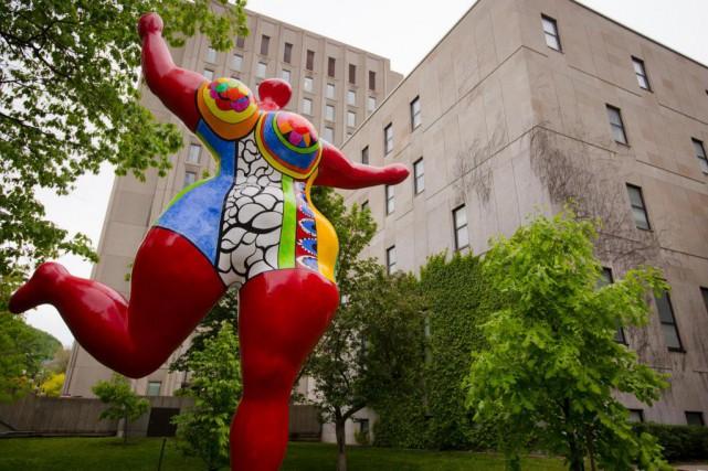 La sculptureNana danseuse (Rouge d'Orient - Bloum), de... (Photo Ninon Pednault, La Presse)