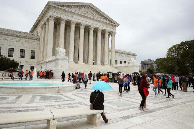 Le dossier que la Cour suprême a ajouté... (PHOTO AFP)