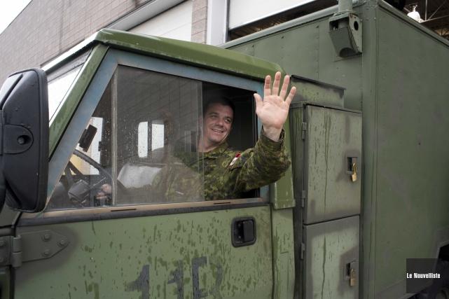Le soldat Carl Boisvert fait partie des militaires... (Sylvain Mayer, Le Nouvelliste)