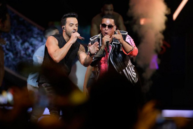 Luis Fonsi et Daddy Yankee... (Photo Lynne Sladky, Associated Press)