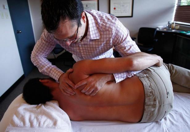 L'ostéopathie est une «méthode thérapeutique qui attribue une... (Photo Yan Doublet, Archives Le Soleil)
