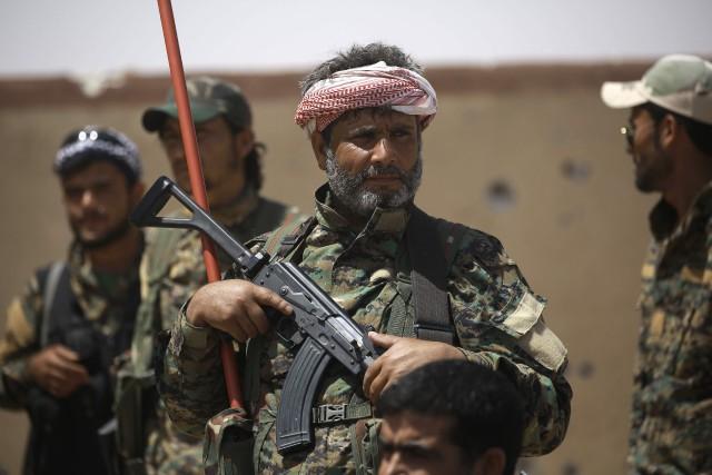 Les Forces démocratiques syriennes ont annoncé mardi le... (PHOTO DELIL SOULEIMAN, AFP)