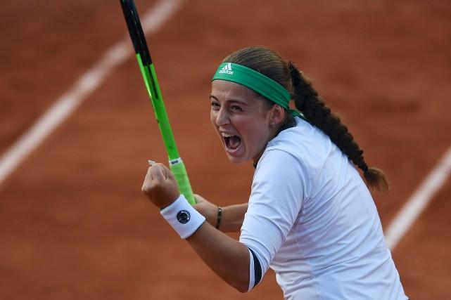 Jelena Ostapenko a battu Caroline Wozniacki 4-6, 6-2,... (AFP, Gabriel Bouys)