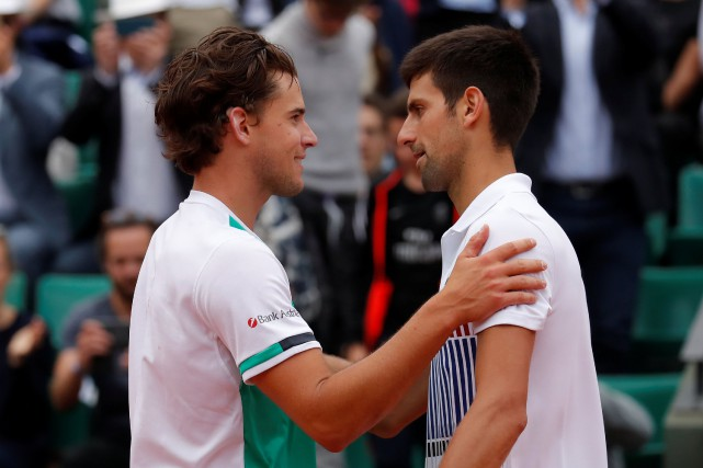 Dominic Thiem (à gauche) a défait Novak Djokovic... (Photo Gonzalo Fuentes, Reuters)