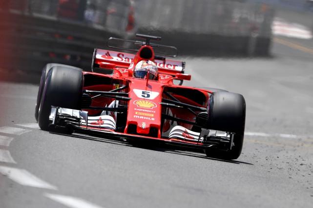 Sebastian Vetteltentera de devenir le premier pilote de... (AFP, Andrej Isakovic)