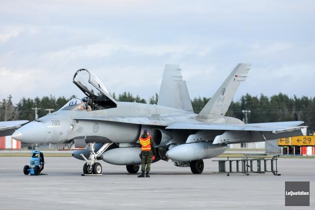 Ottawa prévoit acquérir 88 nouveaux avions de chasse,... (Photo archives Le Quotidien, Jeannot Lévesque)
