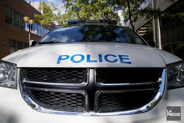 Un colis suspect a été trouvé dans une ruelle située près de l'intersection des... (PHOTO ALAIN ROBERGE, archives LA PRESSE)