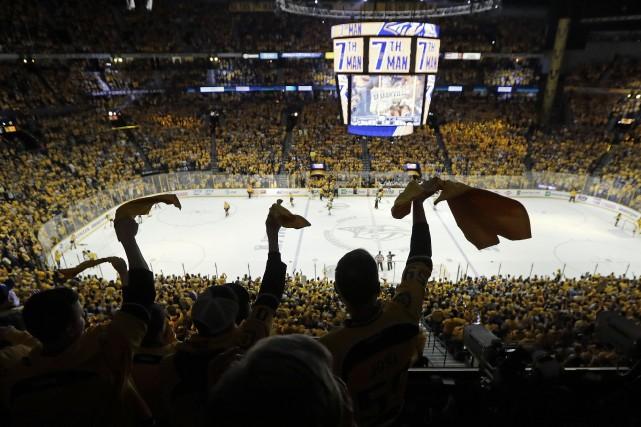 L'ambiance délirante lors des matchs locaux des Predators... (Associated Press)