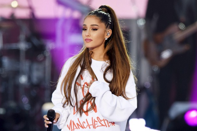 Ariana Grande, lors du concert intitulé One love Manchester... (Agence France-Presse)